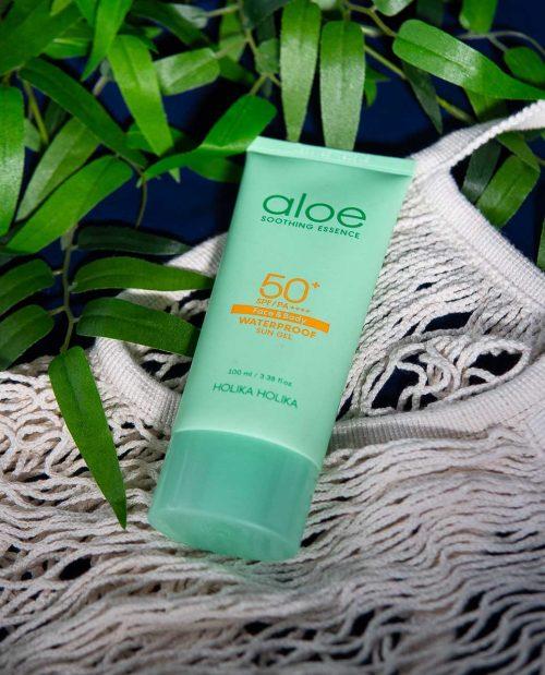 Aloe Soothing Essence Waterproof Sun